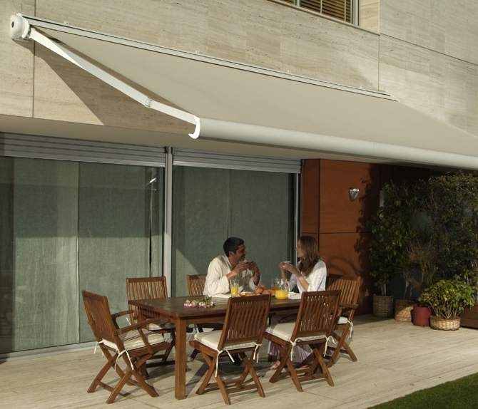 TOLDOS COFRE ELÉCTRICOS Y MANUALES -- AWNINGS ELECTRIC AND MANUAL WITH BOX
